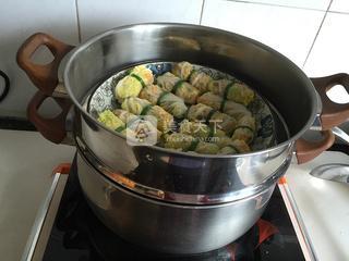 茄汁菜包卷的做法步骤:7