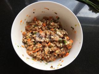 茄汁菜包卷的做法步骤:3